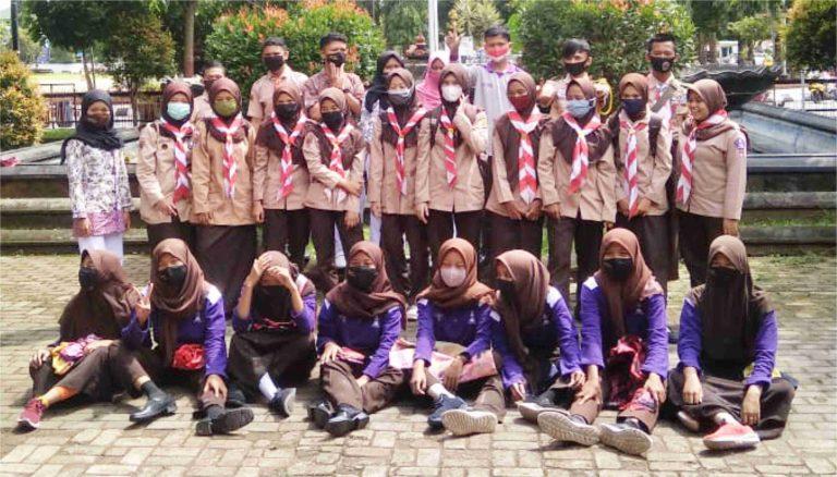 Anggota Saka Widya Budaya Bakti dan Saka Pariwisata Ikut Belajar Bersama di Museum Soegarda Poerbakawatja Purbalingga