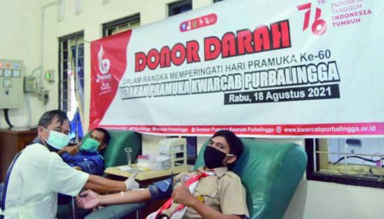 60 Tahun Pramuka Indonesia. Pramuka Purbalingga donorkan darah di Unit Donor Darah (UDD)PMI Kabupaten Purbalingga, Rabu (18 Agustus 2021)